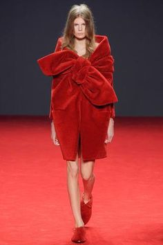 Viktor and Rolf/ Giant Red Caveman Bows