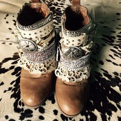 Custom Upcycled boots cowboy vintage boots by ShopIndigoEarth