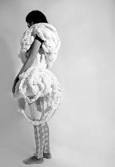 3D Fashion with soft sculptural silhouette & manipulated fabric textures; wearable art // Yu Lin Cinzia