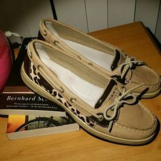 ♥make an offer!♥Sperry Leopard Pony Boat Shoes Sperry Top-Sider Angelfish Linen Leopard Pony Boat Shoes. Practically brand new as seen in photos! Very comfortable shoes and the leopard print is pony/calf hair. Sperry Top-Sider Shoes Flats & Loafers