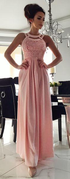 Maxidress Mery  pudrowy róż. Piękna sukienka na wesele dla druhny