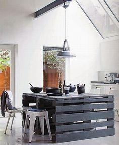 Isla de cocina con palets reciclados