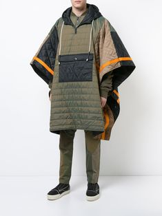 Shop online green Mostly Heard Rarely Seen quilted padded poncho as well as new season, new arrivals daily. Outfits Casual, Mode Outfits, Fashion Outfits, Fashion Tips, Fashion Trends, Alternative Mode, Alternative Fashion, Raver Girl, Retro Fashion