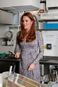 Duchess of Cambridge visits Hope House 4 months pregnant 2/19/13