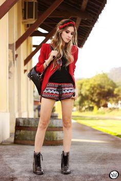 shorts: Stylemoca t-shirt:Romwe blazer: Tidebuy mochila|backpack: Romwe headpiece: Vida Kush bota|boots: GuidoMaggi