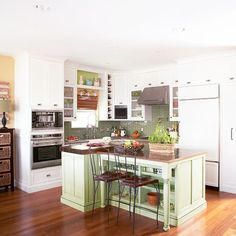 A cramped layout and lack of personality motivated the remodeling of this small kitchen. The colorful, functional result works well within its 125-square-foot layout.