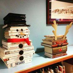 creative way to display books at Christmas