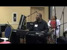 ▶ The Keyboard Player - YouTube