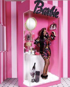 Answering birthday calls like 🥰 Hairstylist: Hair: Makeup: Wardrobe:… 22nd Birthday, Sweet 16 Birthday, Barbie Box, Barbie Theme, Photoshoot Themes, Business Hairstyles, Birthday Photos, Birthday Ideas, Fashion Beauty