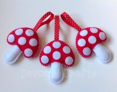 Items similar to Hand Stitched Woodland Toadstool Mushroom Christmas Hanging Decorations/Ornaments on Etsy Felt Christmas Ornaments, Christmas Crafts, Felt Decorations, Christmas Decorations, New Crafts, Crafts For Kids, Felt Hair Accessories, Felt Mushroom, Christmas Sewing