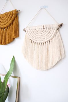 Macrame Bracelet Designs – Nonetheless Stylish After Ages – By Zazok Macrame Wall Hanging Diy, Macrame Art, Macrame Projects, Macrame Knots, Macrame Plant Hangers, Macrame Design, Macrame Tutorial, Macrame Patterns, Diy Crafts To Sell