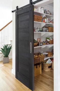 Aménagement cellier : Idées & conseils pour une arrière-cuisine organisée Tall Cabinet Storage, Locker Storage, Pantry Storage, Interior Styling, Interior Design, Inside Design, House Windows, Kitchen Fixtures, Bungalows
