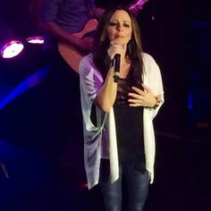 """Classy as ever, Sara Evans performs """"Stronger"""" before she unveils a new song coming out later this year! Sara Evans, Nashville News, News Songs, Coming Out, Classy, Concert, Going Out, Chic, Concerts"""