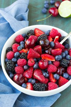 BEST Berry Fruit Salad with Easy Honey Lime Dressing Very Berry Fruit Salad . BEST Berry Fruit Salad with Easy Honey Lime Dressing Very Berry Fruit Salad This image has get Best Fruits, Healthy Fruits, Healthy Recipes, Honey Recipes, Dip Recipes, Juice Recipes, Frosting Recipes, Summer Recipes, Fruit Drinks