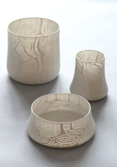 Beautiful rice grain pottery by the Finnish designer Eeva Jokinen  http://www.eevajokinen.com/en/in-the-forest.html