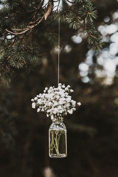 Love this hanging mason jar flower vase with Baby's Breath for vintage rustic wedding decor! Victoria and Richard had a Scottish wedding with a summer fête theme Woodland Wedding, Diy Wedding, Dream Wedding, Trendy Wedding, Wedding Themes, Wedding Vintage, Wedding Summer, Wedding Ceremony, Wedding Rustic