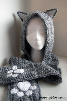 Cuddly Cat Crochet Scoodie with Pockets FREE Pattern