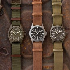 Discover all our Khaki Field Mechanical styles, each one ready for your next outdoor adventure!