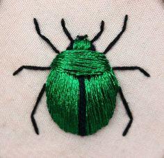 Stumpwork fascinates me. Stumpwork beetle (green june bug - Cotinus nitida) inspired by the work of Jane Nicholas and Di van Niekerk. Crewel Embroidery, Ribbon Embroidery, Cross Stitch Embroidery, Embroidery Patterns, Embroidery Floss Crafts, Embroidery Stitches Tutorial, Embroidery Needles, Art Patterns, Japanese Embroidery