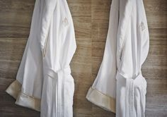 Spa Holiday Gift Guide 2014: A classic, and oh-so-comfy, Four Seasons robe is the perfect gift for the spa-goer on your holiday list! Available at The Spa. #FSSparkle