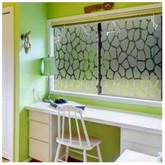 Sticker occultant pour vitres et fenêtres motif girafe. http://www.depoli-design.com/284-thickbox/motif-girafe.jpg