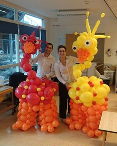Entertainment. Balloonart. Balloon Art. Costume. Kostuums. Ballonnen. Ballonentertainment. Entertainment. Strolling act. Ballon. Entertainment. Event. Evenement. Birds. Vreemde Vogels. Straattheater. Theater.