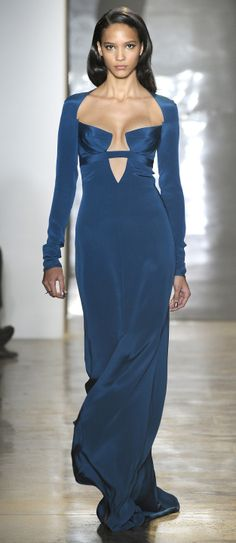 Cushnie et Ochs Fall 2014 RTW - Runway Photos - Fashion Week - Runway, Fashion Shows and Collections - Vogue Blue Fashion, Fashion Week, Runway Fashion, Fashion Show, Fashion Design, Review Fashion, High Fashion, Winter Fashion, Beautiful Gowns