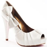 cute white shoes with a little peep toe and an adorable bow. i love bows.