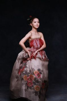Korean, hanbok,박지현-한복,국악소녀-송 소희. Park Ji-Hyun Korean clothes for celebrity  Music amount songsohui girl photo shoot (Park Ji-Hyun Korean clothes). Image