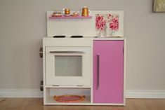 """When I saw this play kitchen I could only say """"Wow! Lucky baby."""" This is from Lisa and it's hard to believe that this is her first hack. It sure gives all hack"""