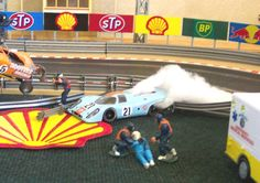 HotSlots 1/32 Slot Car Shop - Customer Tracks
