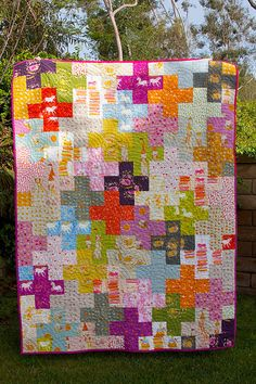 I used prints from FFA 2 & 3 by Heather Ross for this plus quilt. The quilt is x I bound it in Art Gallery solid Verve Violet & Lipgloss. Scrappy Quilt Patterns, Scrappy Quilts, Easy Quilts, Mini Quilts, Quilt Blocks, Quilting Designs, Quilting Ideas, Plus Quilt, Cross Quilt