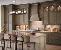 More ideas below: Modern Traditional Kitchen Design Ideas Small Traditional Kitchen Cabinets Rustic Traditional Kitchen Backsplash Remodel White Traditional Kitchen Table Decor Classic Warm Traditional Kitchen Kitchen Cabinet Layout, Painting Kitchen Cabinets, Kitchen Paint, Kitchen Backsplash, New Kitchen, Kitchen Decor, Kitchen Ideas, Kitchen White, Taupe Kitchen