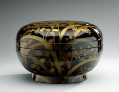 Sweetmeats bowl with cover  Wood, lacquered, with maki-e and kirigane gilding  Centimetres: 24.1 (height), 36.2 (outside diameter)  1701 - 1868 AD  Early Modern; Edo period  Area of Origin: Japan. ROM Images