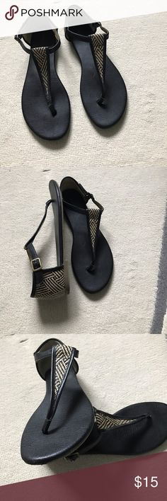 Banana republic sandals Perfect sandals for summer time 🌞! Banana republic sandals worn a few times see attached pictures. Still in good condition! Banana Republic Shoes Sandals