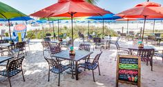 Discover Fort Myers Beach annual events, restaurants, and hotels for weddings, business meetings, or family reunions.
