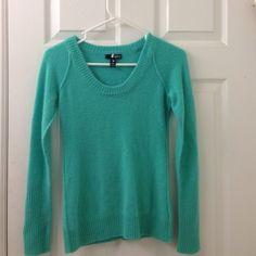 Cashmere Aqua brand sweater Teal Aqua brand sweater, 100% cashmere. Small pin hole at wrist Aqua Sweaters Crew & Scoop Necks