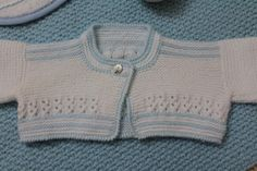 Vistiendo a mi nieta Baby Wearing, Baby Knitting, Baby Knits, Sweaters, Fashion, Tela, Handmade Baby Clothes, Handmade Baby, Grandchildren
