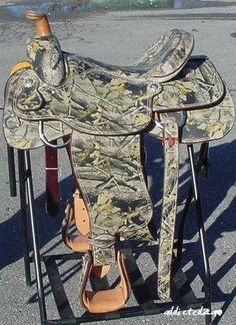 CAMO SADDLE. YES.