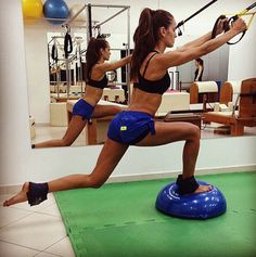 TRX on the Bosu. Such a great workout! Bosu Workout, Model Workout, Workout Ideas, Suspension Workout, Suspension Training, Izabel Goulart, Fit Board Workouts, Gym Workouts, Yoga Fitness