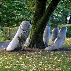We are talking about land art installations in this article. It is only when you look at these stunning land art installations will you realize that these are immense works of art that seem to own the land on which they have been made without Land Art, Robin Wight, Jessica Hische, Wow Art, Outdoor Art, Outdoor Sculpture, Garden Sculpture Art, Concrete Sculpture, Bronze Sculpture