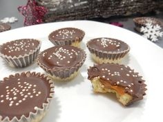 A great recipe for caramel cupcakes. Christmas Sweets, Christmas Candy, Christmas Baking, Caramel Cupcakes, Czech Recipes, Caramel Recipes, Types Of Cakes, Desert Recipes, Great Recipes