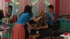 Michelle (Claudia Fontán), la mujer de Félix (Juan Minujín), sospecha que éste no le es fiel y que está saliendo con otra chica. Estos pensamientos la perturban al punto que comienza a sentirse mal y necesita ayuda. Mirá dónde terminó recibiendo asistencia.