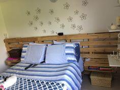 cama hecha con #palets, #estibas . #nelsones #cama #rustico