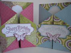 The double gate fold card is a fairly new fold circulating around card-making sites. Here is what you need: A double sided patterned . Joy Fold Card, Tri Fold Cards, Fancy Fold Cards, Folded Cards, Bee Cards, Scrapbooking, Scrapbook Cards, Double Gate, Ppr