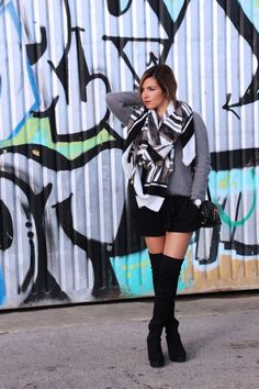 #ootd #black #grey #lookbook #blogger #kneeboots http://theaustraliangirlblog.blogspot.pt/2015/12/ootd-black-grey.html