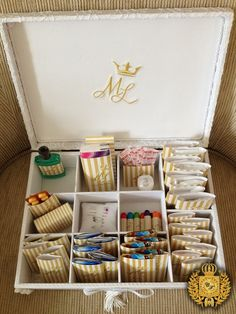 Wedding Day Emergency Kit For Bride Party Favors Super Ideas Beach Table Decorations, Wedding Decorations, Wedding Ceremony Arch, Wedding Day, Vintage Groom, Bathroom Baskets, Fab Fit Fun Box, Bridal Musings, Bride Gifts