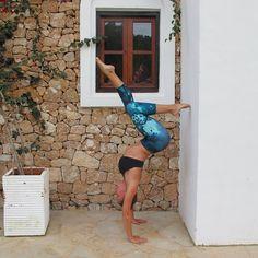 Wow! @misscharholmes nos deja así  - lleva un capri Salar capri y el sujetador Dash #yoga
