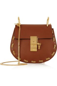 I really want this Chloé shoulder bag!!!!! So beautiful! fashion, it bag, chains, golden, leather