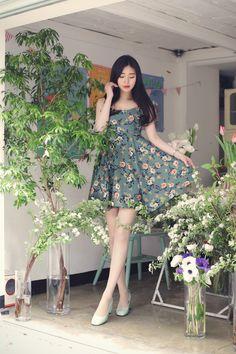 daily 2017 feminine& classy look Korean Fashion Dress, Korea Fashion, Korean Outfits, Asian Fashion, Fashion Dresses, How To Look Classy, Look Cool, Cute Casual Outfits, Casual Dresses